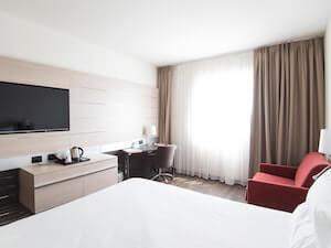 hotels toronto